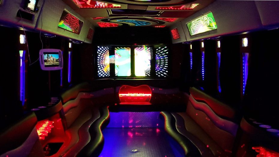 Things to Know When Renting a Limousine